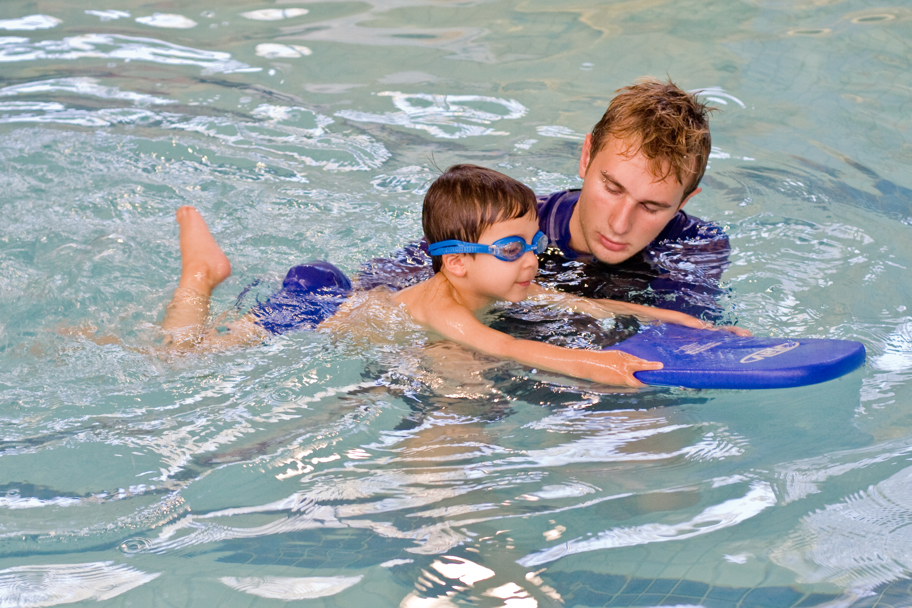 how to become kids swim instructor