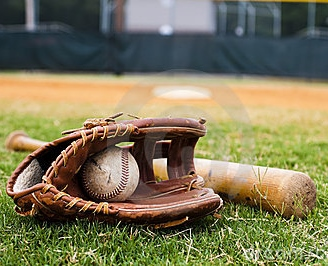https://sitedesq.sportstg.com/assets/siteDesq/19464/gallery/old-baseball-glove-bat-field-19982200.jpg